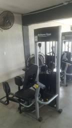 Vendem se  aparelhos de musculacao New companny