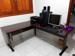 Mesa em L de escritório