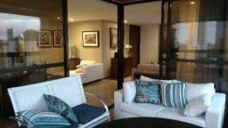 Apartamento com 187m , 1 por andar, reformado na Jaqueira - Recife