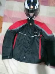 Vendo jaqueta x11 g.mais um capacete .ja é o menor preço