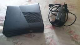 Xbox 360 Slim - Só liga e não inicializa (Leiam)