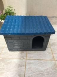 Casa para cães médios ou pequenos. Pouco uso.