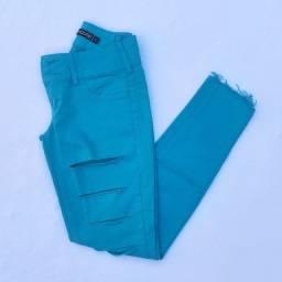 Calça comprida jeans verde skinny destroyed (C&A) @ brchgrls