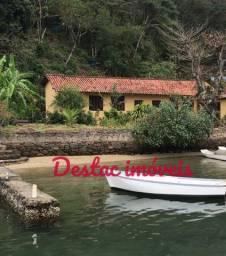 Casa Angra em ilha com pé na areia- 2.200 m²