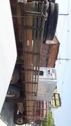 Vendo ou troco carroceria 7.5 de truk