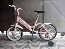 Bicicleta infantil no estado!