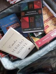 Vendo livros de teologia e livros evangélicos apostólicos