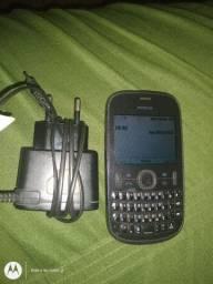 Vendo telefone simples Nokia c carregador.