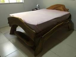 Cama de casal madeira rústica