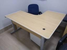 Mesa de Escritório em L