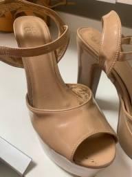 Sandália de salto meia pata Nude