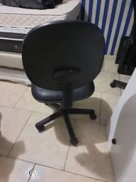 Título do anúncio: Cadeira tock stock