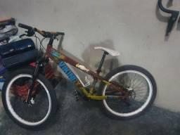 Bicicleta aro 26 Vicking tuff