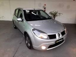 Renault Sandero Expression (Vibe) 1.6 2010