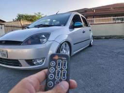 Fiesta 2004 Hatch  Prata