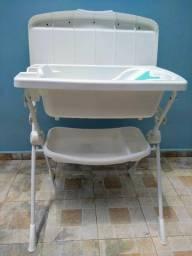 Título do anúncio: Trocador para bebê com banheira (usado)