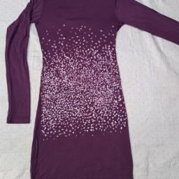 Vestido de malha com paetês frente única