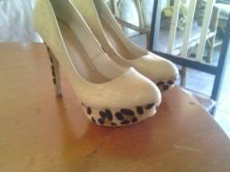 Sapato Alto de oncinha