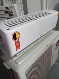 Vendo ar condicionado Gree 9 mil BTUs  Valor: 900 reais