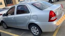 Carro Etios Sedan SDX 2016