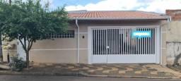 Título do anúncio: Casa para Venda em Araras, Parque Industrial, 4 dormitórios, 1 suíte, 2 banheiros, 2 vagas