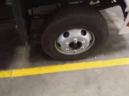 Caminhão cesto aerio