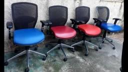 Título do anúncio: Cadeiras novas presidencial da marca Marelli e nightingale. 400 reais cada uma