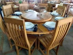 Mesa redonda de 1,80 com 6 cadeiras