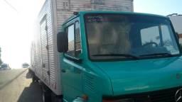 Mercedes-710 BAÚ - 2002