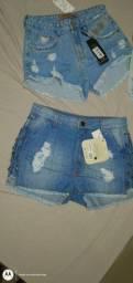 Um pequeno lote de jeans short