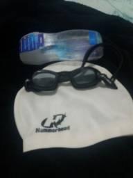 Óculos de natação e toca
