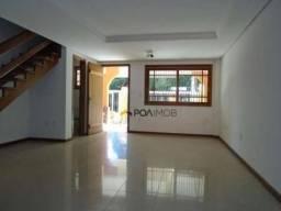 Casa residencial com 03 dormitórios no bairro Tristeza