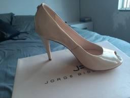 Sapato feminino Jorge Bischoff