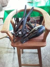 Título do anúncio: Carreira de corta cabelo infantil e um secador e um Capão