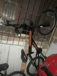 Bicicleta troco por uma aro 16 com rodinhas