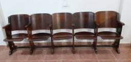 cadeira longarina cinema