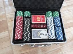 Maleta de poker com 200 fichas de plástico