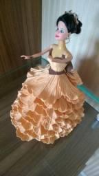 Boneca Vestido de Gala com detalhes minimalistas - Item De Coleção em ótimo estado