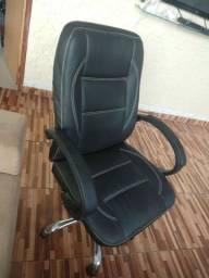 Título do anúncio: Vendo cadeira para escritório preta em perfeito estado (500,00)