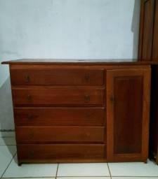 Título do anúncio: Vende-se cômoda grande de madeira