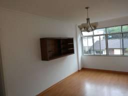 Título do anúncio: Alugo Apartamento com 2 quartos e garagem na Castelânea