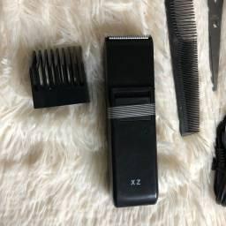 Kit máquina de aparar pêlos e cabelos