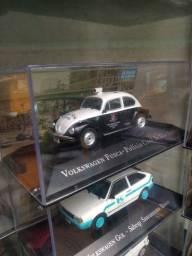 Título do anúncio: Vendo lote inteiro!Coleção 200 miniaturas de carros e caminhões.