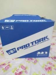 Capacete original Pro Tork, novo na caixa<br> Aceito  propostas <br> 300 reais