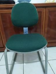 Título do anúncio: cadeira escritório pouco usada