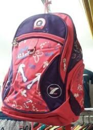 Vende-se esta mochila nova