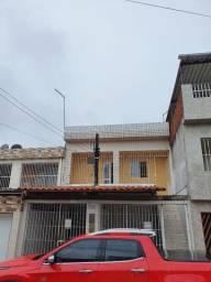Alugo em Jardim Paulista Baixo, casa 1° andar, 03 quartos, poço e garagem