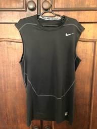 Regata Nike pro combat tamanho GG