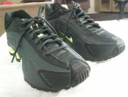 Desapego 400,00 Tênis Original Nike Shox R4