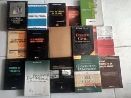 Livros de direito penal